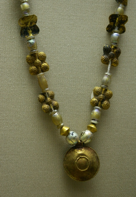 Glass and gold necklace