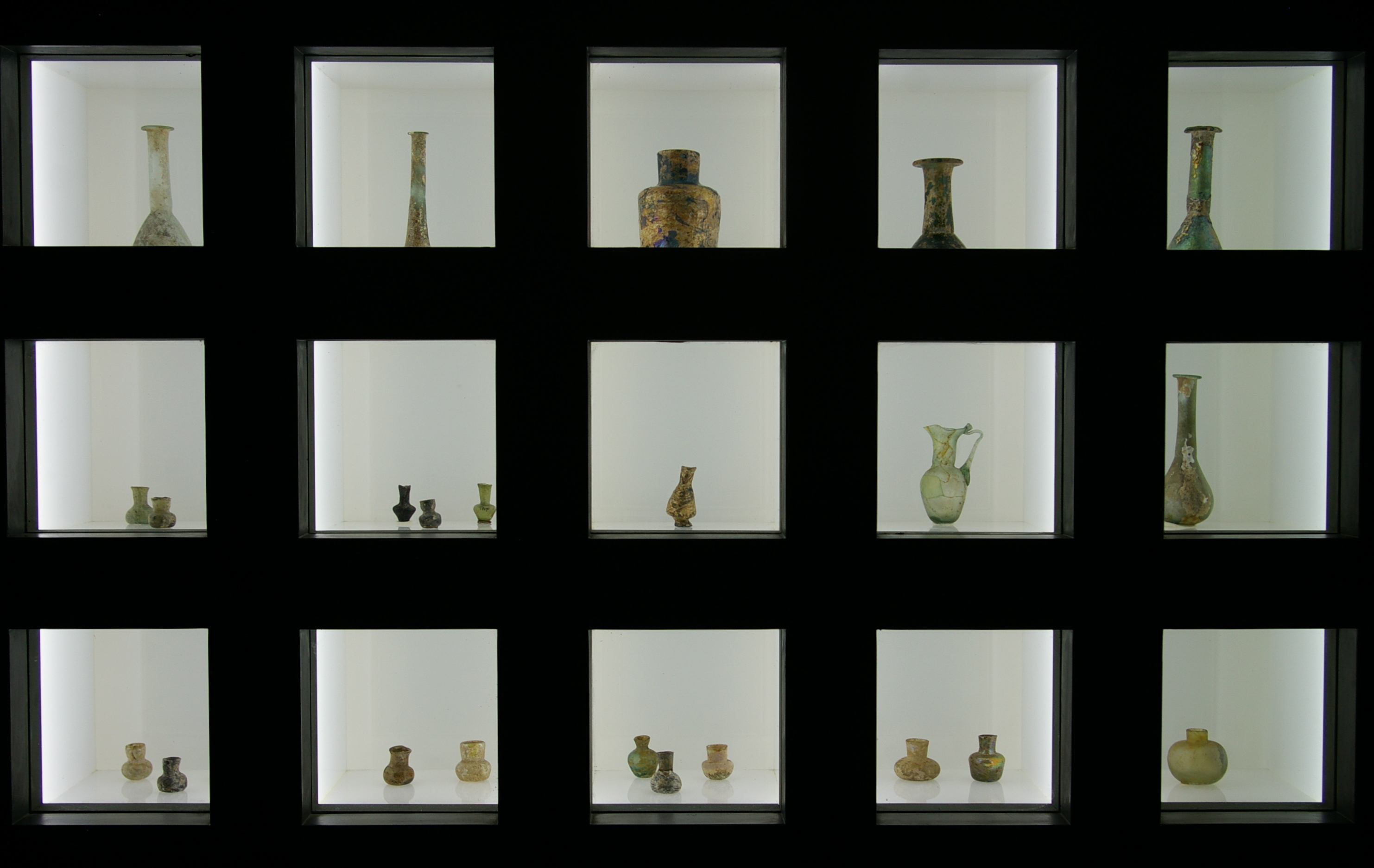 Glassware display